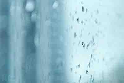 每次下雨都杀死了一次时间