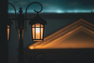 街灯与日落